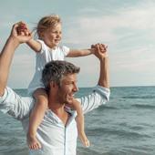 PERE ET FILLE  Alain Braconnier est un psychiatre qui a beaucoup travaillé sur le thème des relations père-fille. Il explique dans un article récent comment les pères ont une influence décisive sur l'avenir de leurs filles, sur la femme qu'elles deviendront. Retrouvez cet article en bio, et n'hésitez pas à le faire lire aux papas de filles. Bonne journée.